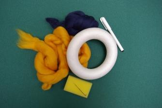 Filcování polysterenové formy - věnec